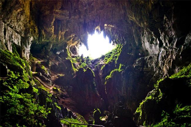 16 hang động sở hữu vẻ đẹp hùng vĩ và lộng lẫy đến khó tin của thế giới - Ảnh 14.
