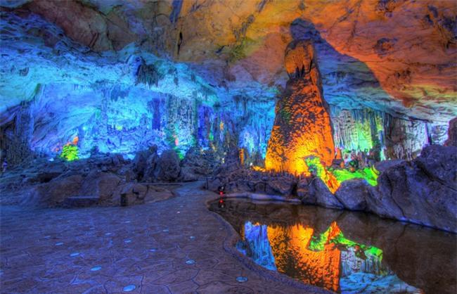 16 hang động sở hữu vẻ đẹp hùng vĩ và lộng lẫy đến khó tin của thế giới - Ảnh 15.