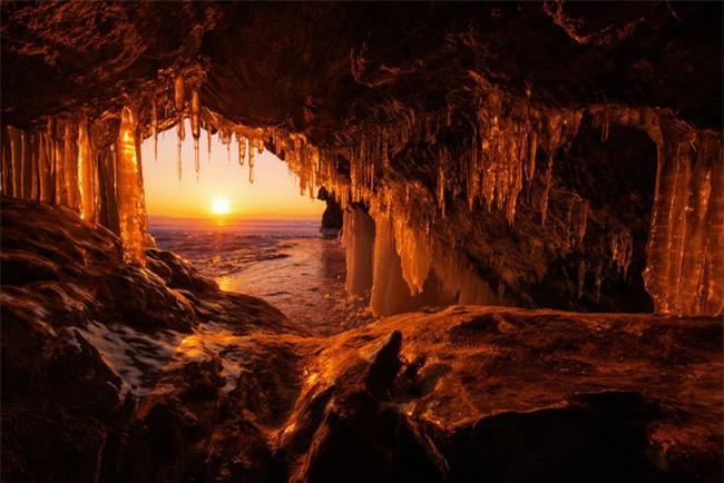 16 hang động sở hữu vẻ đẹp hùng vĩ và lộng lẫy đến khó tin của thế giới - Ảnh 4.