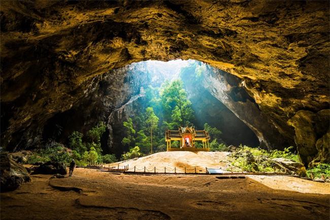 16 hang động sở hữu vẻ đẹp hùng vĩ và lộng lẫy đến khó tin của thế giới - Ảnh 5.