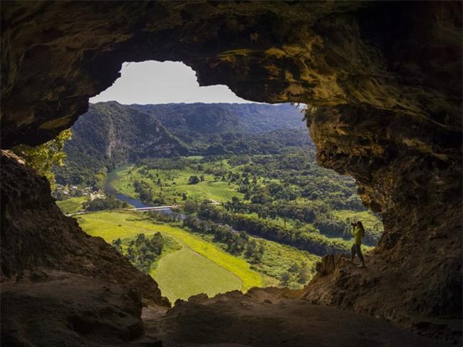 16 hang động sở hữu vẻ đẹp hùng vĩ và lộng lẫy đến khó tin của thế giới - Ảnh 9.