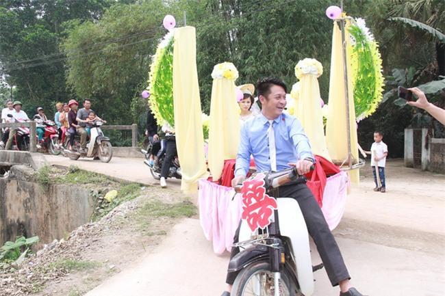 Rước dâu bằng xe chở lúa, đám cưới hiếm thấy tại Thanh Hóa - Ảnh 8.