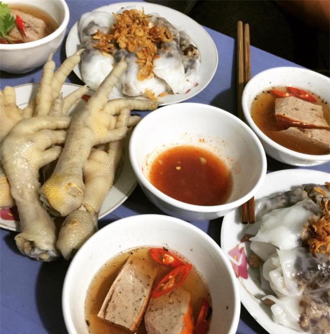 """6 quán bánh cuốn ngon """"nức nở"""" để quên đi thời tiết Hà Nội ẩm ương - Ảnh 16."""