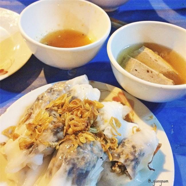 """6 quán bánh cuốn ngon """"nức nở"""" để quên đi thời tiết Hà Nội ẩm ương - Ảnh 17."""