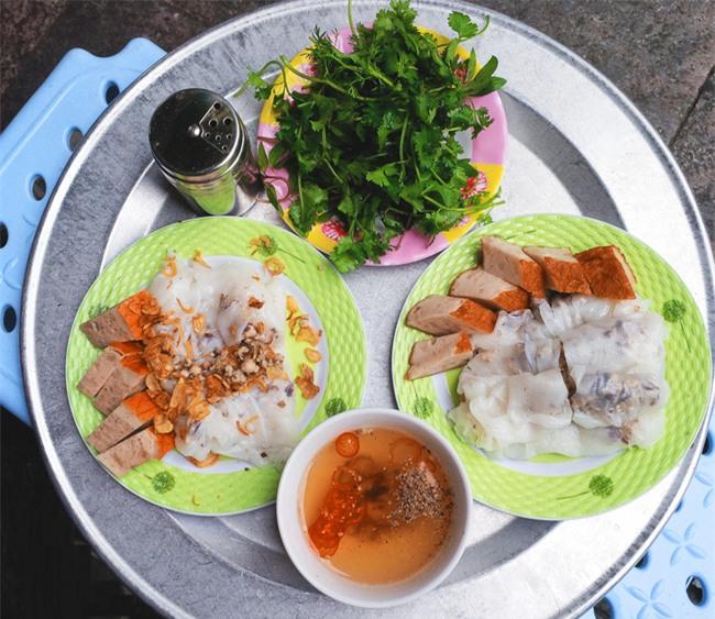 """6 quán bánh cuốn ngon """"nức nở"""" để quên đi thời tiết Hà Nội ẩm ương - Ảnh 3."""