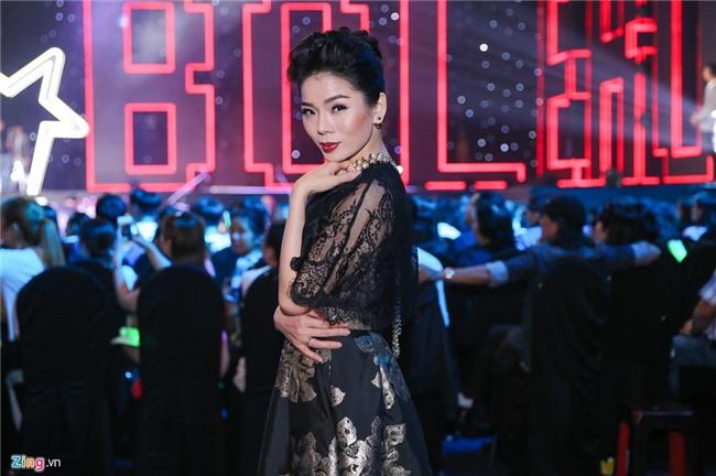 Le Quyen mang nhan kim cuong dat do di cham thi Than tuong Bolero hinh anh 1