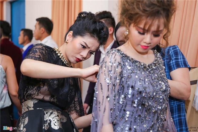 Le Quyen mang nhan kim cuong dat do di cham thi Than tuong Bolero hinh anh 3