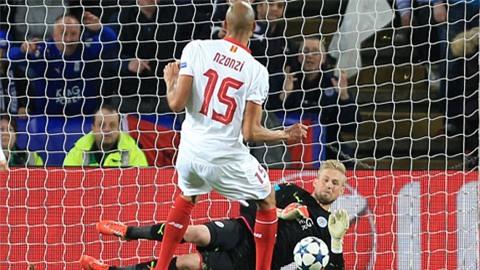 Schmeichel kết thúc hy vọng của Sevilla với pha cản phá 11m thành công