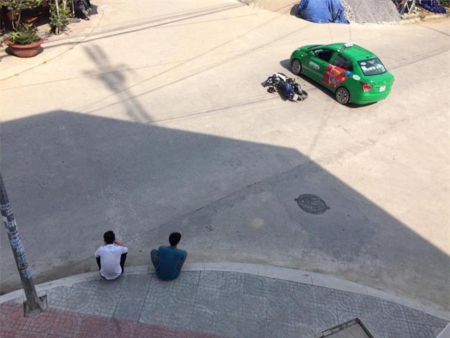 Sau va chạm, hành động của 2 tài xế khiến nhiều người mỉm cười - Ảnh 2.