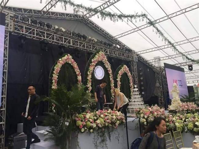 Cận cảnh đám cưới xa hoa bậc nhất Hải Phòng khiến dân mạng trầm trồ - Ảnh 1.