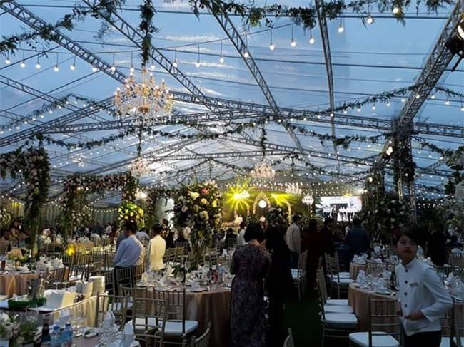 Cận cảnh đám cưới xa hoa bậc nhất Hải Phòng khiến dân mạng trầm trồ - Ảnh 2.
