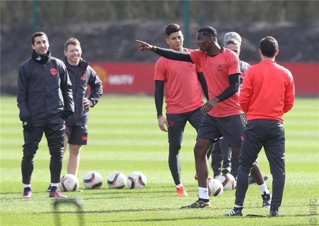 Man Utd ron ra tieng cuoi chuan bi tiep don Rostov hinh anh 4