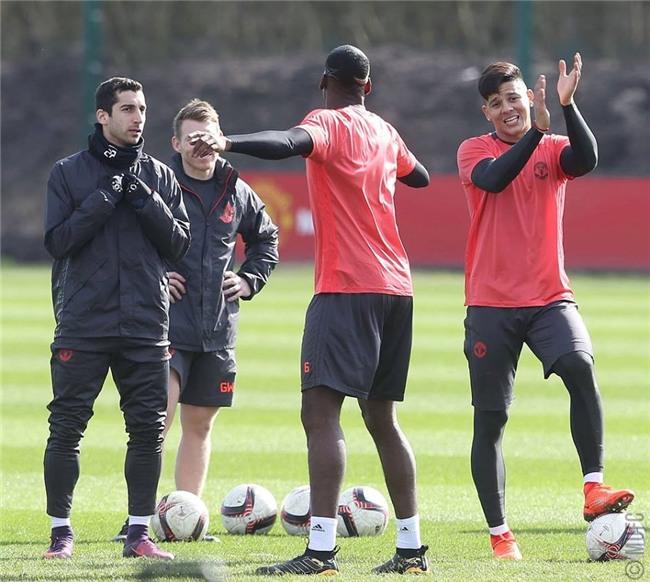 Man Utd ron ra tieng cuoi chuan bi tiep don Rostov hinh anh 10