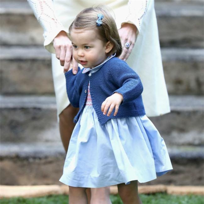 Bận trăm công nghìn việc nhưng cách dạy con của Kate Middleton vẫn khiến triệu người ngả mũ - Ảnh 4.