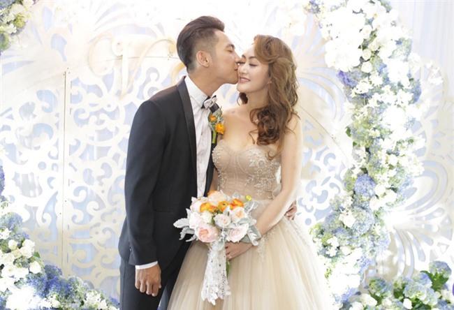 Dàn sao Việt nô nức đến dự đám cưới Mai Quốc Việt - Ảnh 1.