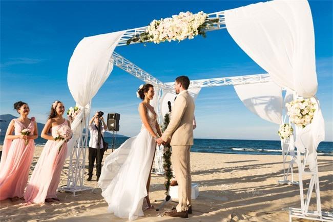 Hà Anh: Chồng tôi tự hào khi có vợ đẹp khiến bao người ước ao - Ảnh 1.