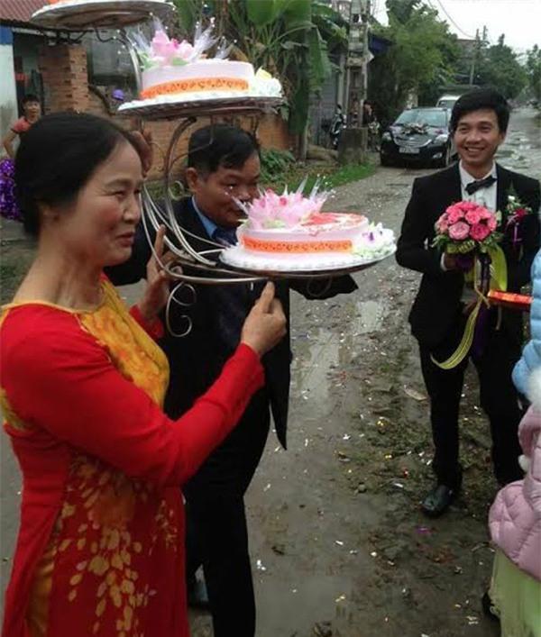 Điểm lại những lễ đính hôn kiểu mới siêu bá đạo từ đội bê tráp U50 đến phong cách Lạc trôi xưa nay hiếm - Ảnh 5.