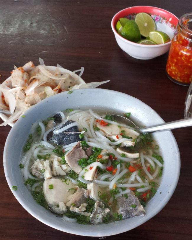 Điểm danh 5 món bánh canh dân dã những ngon nổi tiếng của Việt Nam - Ảnh 3.
