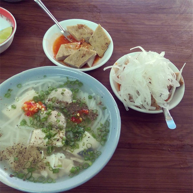 Điểm danh 5 món bánh canh dân dã những ngon nổi tiếng của Việt Nam - Ảnh 4.