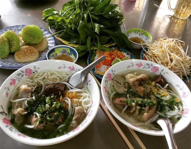 Điểm danh 5 món bánh canh dân dã những ngon nổi tiếng của Việt Nam - Ảnh 5.