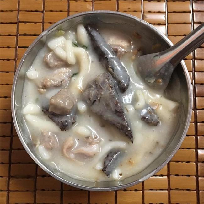 Điểm danh 5 món bánh canh dân dã những ngon nổi tiếng của Việt Nam - Ảnh 7.
