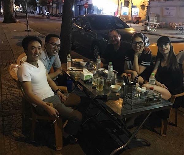 Cường Đô la lái siêu xe đưa vợ cũ Hà Hồ đi ăn đêm - Ảnh 1.