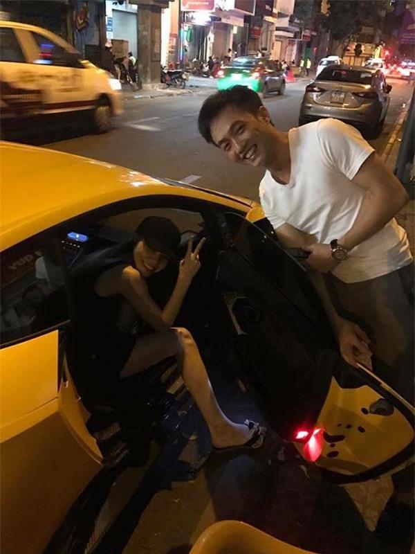 Cường Đô la lái siêu xe đưa vợ cũ Hà Hồ đi ăn đêm - Ảnh 2.