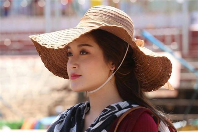 Từ Myanmar: Á hậu Huyền My bức xúc lên tiếng chuyện để mẹ kéo vali  - Ảnh 6.