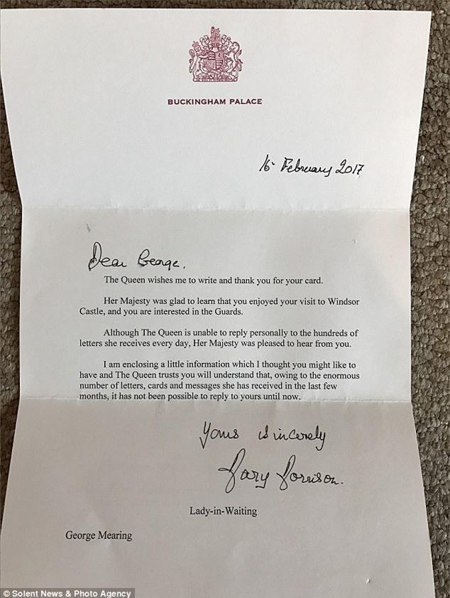 Bé trai 6 tuổi gửi thư xin làm cận vệ hoàng gia, Nữ hoàng Anh bất ngờ hồi đáp - Ảnh 3.