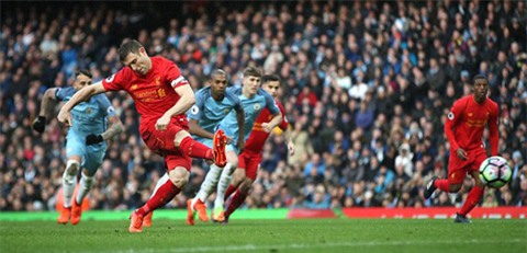 Milner ghi bàn từ chấm 11m