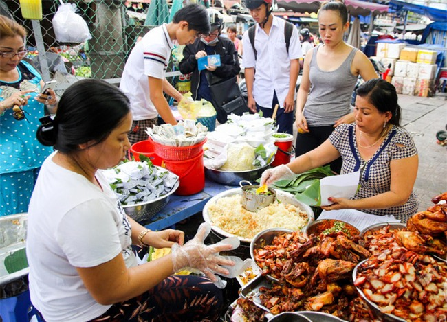 6 quán ăn bình dân chẳng cần quảng cáo nhưng lúc nào cũng tấp nập khách ở Sài Gòn - Ảnh 11.