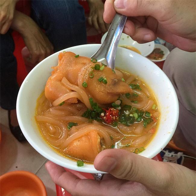 6 quán ăn bình dân chẳng cần quảng cáo nhưng lúc nào cũng tấp nập khách ở Sài Gòn - Ảnh 18.