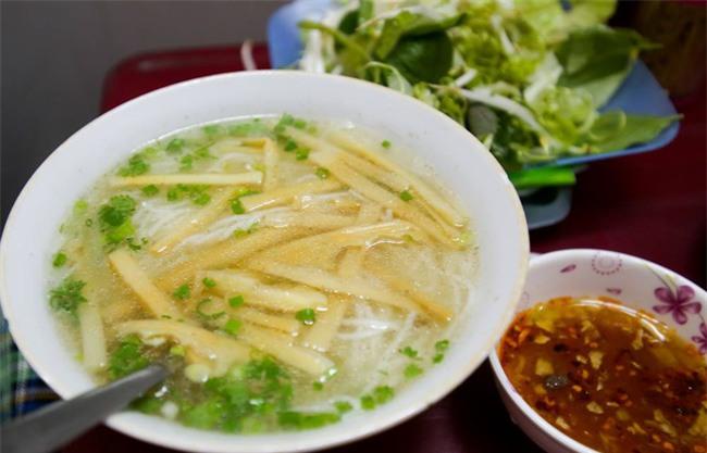 6 quán ăn bình dân chẳng cần quảng cáo nhưng lúc nào cũng tấp nập khách ở Sài Gòn - Ảnh 5.