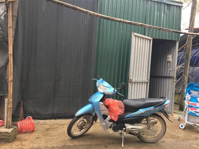 Người mẹ bắt con đứng ngoài trời mưa, rét từng bị bán sang Trung Quốc - Ảnh 2.
