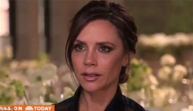 """Victoria tiết lộ lý do cô hay """"mượn"""" đồ của chồng - Ảnh 1."""