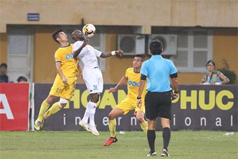 Ha Noi FC chan dung chuoi bat bai cua FLC Thanh Hoa hinh anh