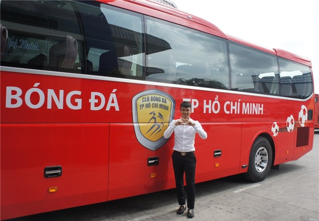 Cong Vinh hao hung nhan xe moi cua CLB TP.HCM hinh anh 2