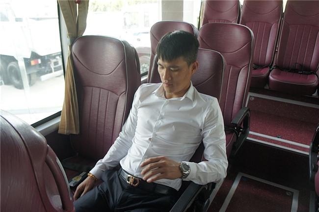 Cong Vinh hao hung nhan xe moi cua CLB TP.HCM hinh anh 4