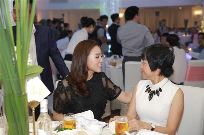 Công Lý cười tươi bên cạnh cả tình mới lẫn vợ cũ tại đám cưới MC Thành Trung - Ảnh 5.