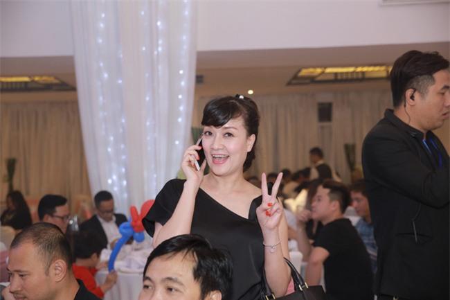 Công Lý cười tươi bên cạnh cả tình mới lẫn vợ cũ tại đám cưới MC Thành Trung - Ảnh 7.