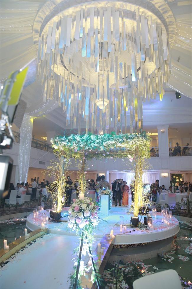 Công Lý cười tươi bên cạnh cả tình mới lẫn vợ cũ tại đám cưới MC Thành Trung - Ảnh 8.