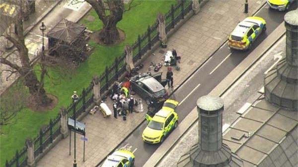khủng bố, Anh, nổ súng bên ngoài tòa Quốc hội Anh