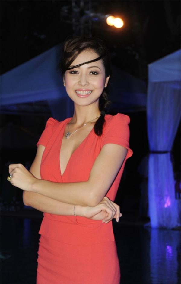 Cho răng ăn son, mỹ nhân Việt xinh đẹp mấy cũng mất điểm trước ống kính - Ảnh 8.