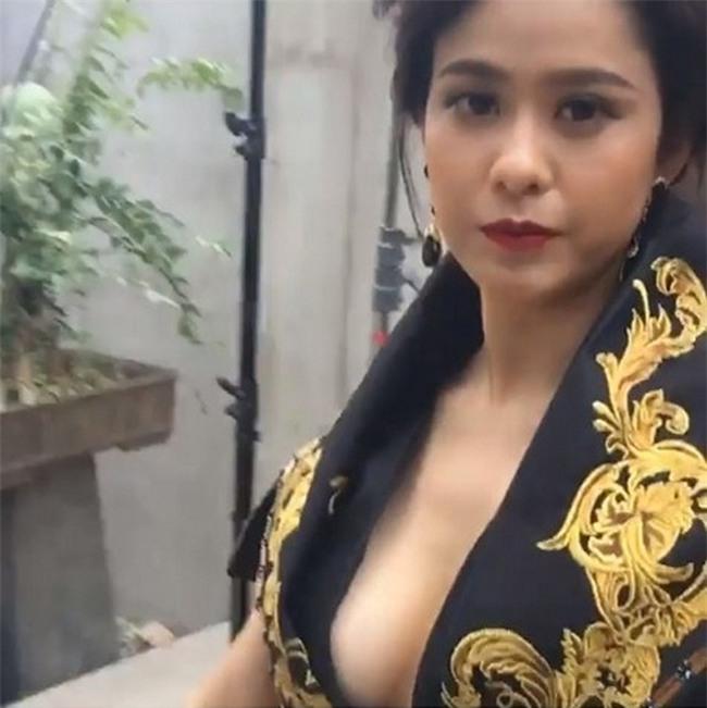 moi lan livestream, my nhan viet lai khien fan khong roi mat hinh anh 10