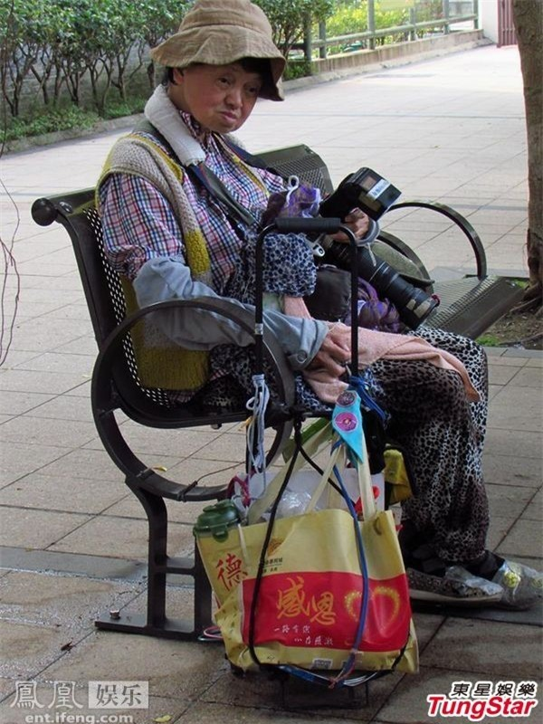 Nhìn cuộc sống giàu sang phú quý của sao Hoa ngữ, ít ai nghĩ người thân của họ lại vất vưởng, khốn khó thế này - Ảnh 10.