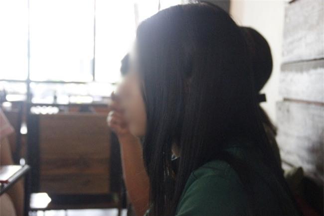 Khởi tố hình sự vụ nữ sinh cấp 2 nghi bị người tình của mẹ xâm hại tình dục suốt 9 tháng - Ảnh 1.