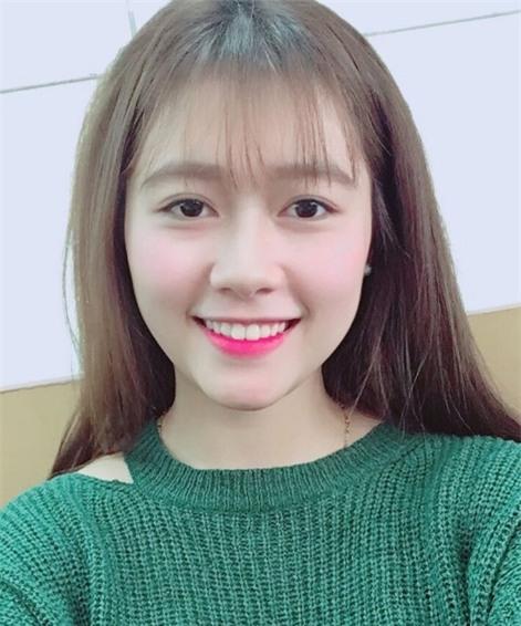 Nữ sinh ĐH Xây Dựng Hà Nội bất ngờ nổi tiếng vì quá xinh đẹp - Ảnh 8.