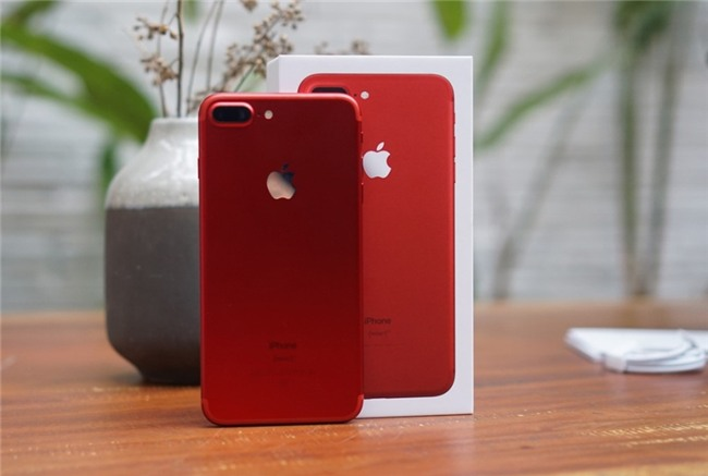 Can canh iPhone 7 Plus do tai VN: Doc, dep, gia cao hinh anh 1