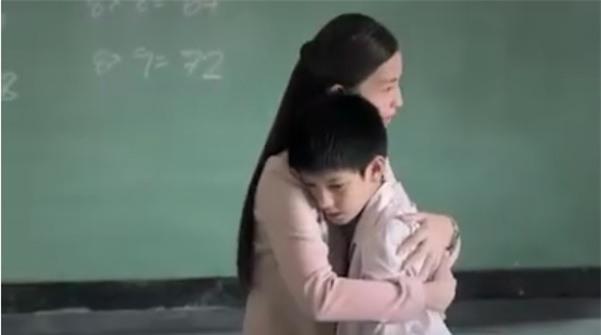 Hành trình trở thành thầy giáo của cậu bé tự kỷ từng van xin để không bị đuổi học - Ảnh 7.
