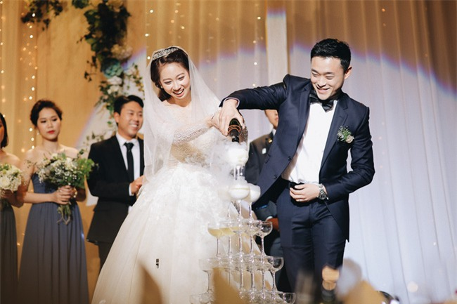 Tình yêu rượu gạo Soju không cưa cũng đổ với soái ca Hàn và hôn lễ đậm chất Việt cùng nón lá và hoa đá - Ảnh 19.
